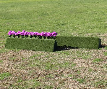 Turf Triangle Flower Box